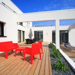 Grande terrasse de 80 mètres carrés