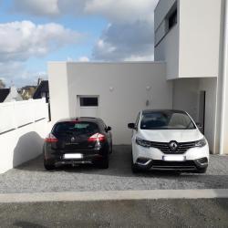 Parking privé pour 2 voitures